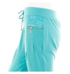 Csipkebetétes, vízszintes zsebes csőszárú női melegítő nadrág (J-9569)