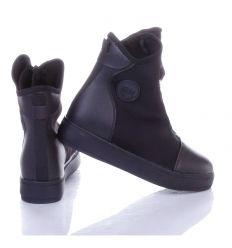 Enyhén bélelt, szárán cipzáros, magasszárú cipő (A-9)