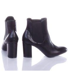 Oldalt gumis, magassarkú műbőr női bokacsizma (HW16-56)