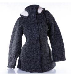 Anyagában mintás, szövet jellegű, kapucnis, enyhén bélelt női kabát (F02012W)