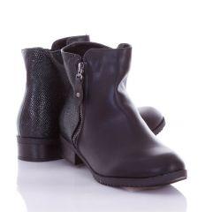 Sarkánál apró kígyó mintás, bélelt, női műbőr bokacsizma, cipő (L72451)